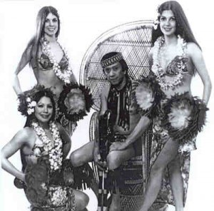 HAWAIIAN DANCERS SHOW